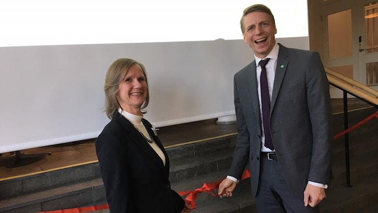 Ewa Westberg, myndighetschef för fastighetsmäklarinspektionen och Per Bolund (MP), finansmarknads- och konsumentminister