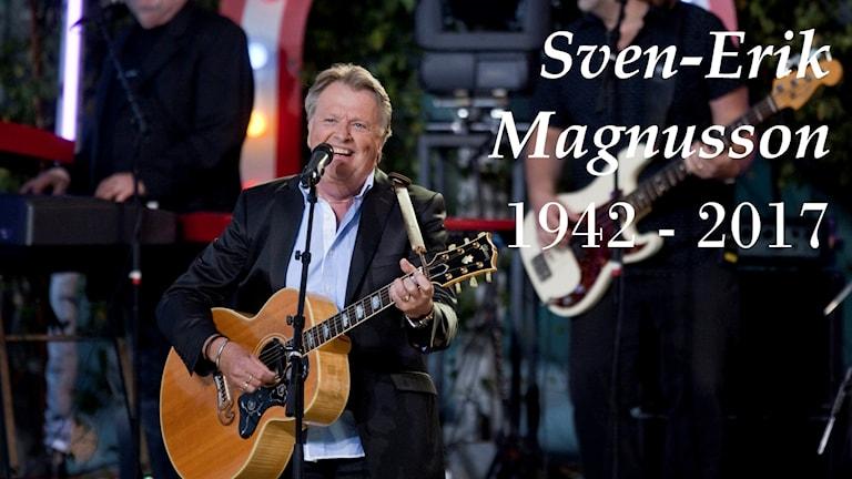 Sven-Erik Magnusson med Sven-Ingvars på Allsång på Skansen.