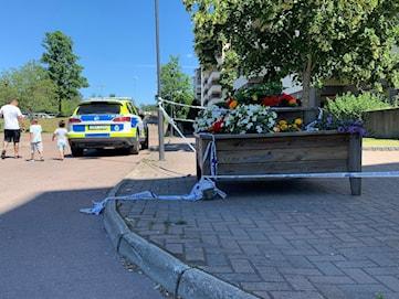 Två personer har varit anhållna för skottlossningen