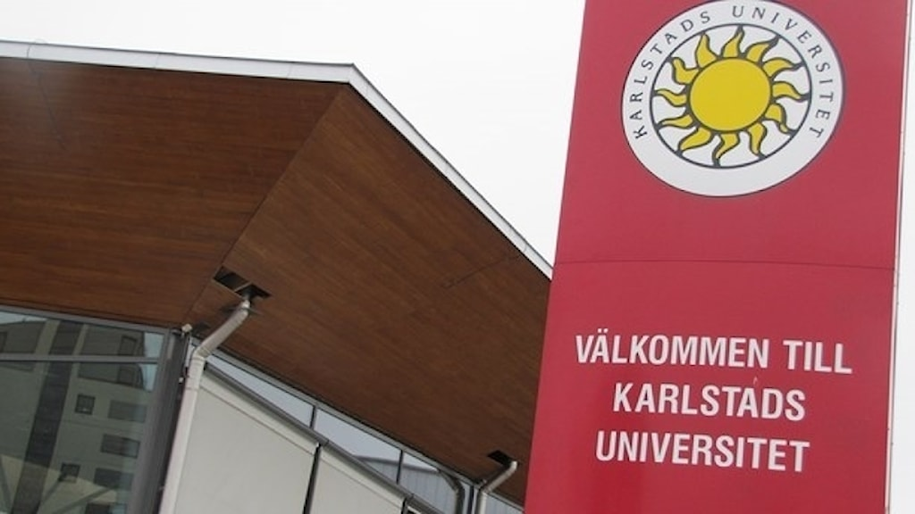 Skylt Karlstads universitet. Foto: Lars-Gunnar Olsson/Sveriges Radio.