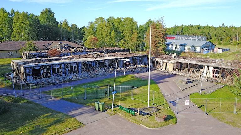 Ett HVB-hem i värmländska Skoghall började av oklar anledning brinna. Örjan Bengtzing/Sveriges Radio