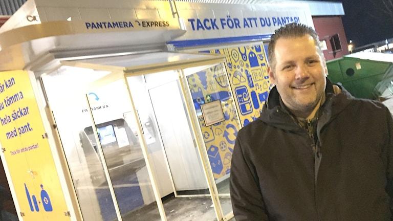 Marcus Edenberg, driftchef återvinningscentralerna Karlstads kommun. Foto: Robert Ojala/Sveriges Radio.