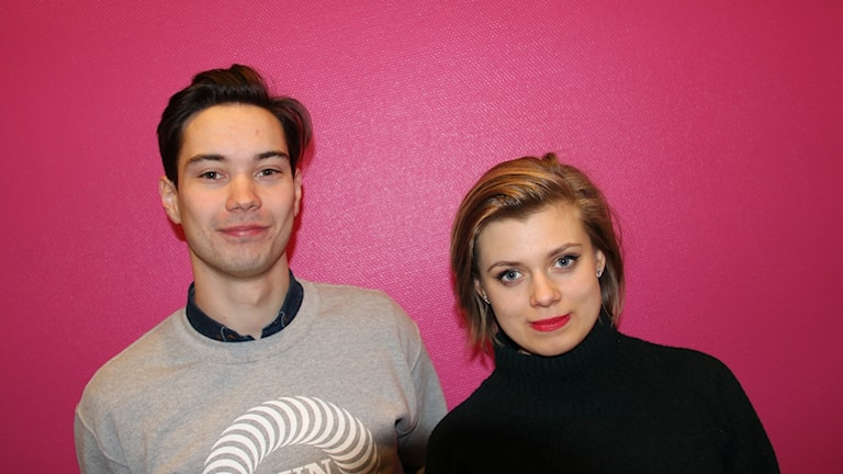 en ung man och en ung kvinna