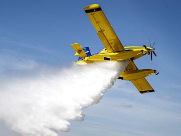 Stor risk för skogsbränder – så snabbt kan statens brandflyg vara på plats