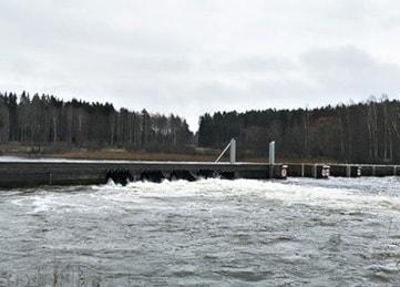 Kritiskt höga vattennivåer - Arvika aktiverar översvämningsskyddet