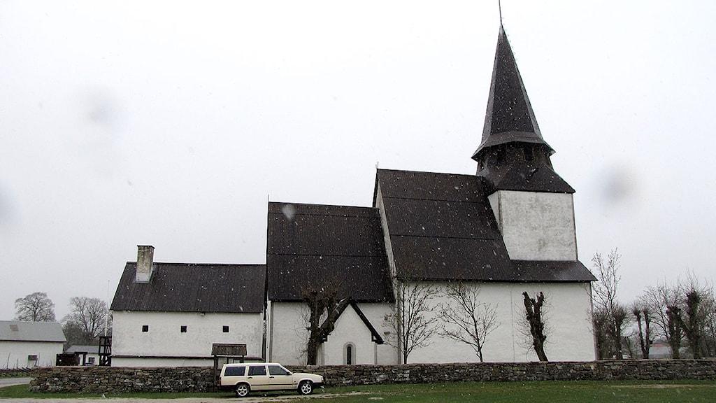 Kyrkan i Bäl. Foto: Johannes Hallbom/SR Gotland
