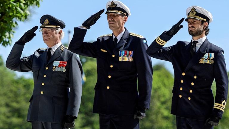 Kung Carl XVI Gustaf, ÖB Micael Bydén och prins Carl-Philip