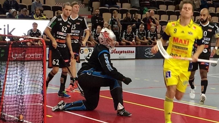 Patrik Jansson Visby IBK har precis gjort 3-2 mot Onyx.
