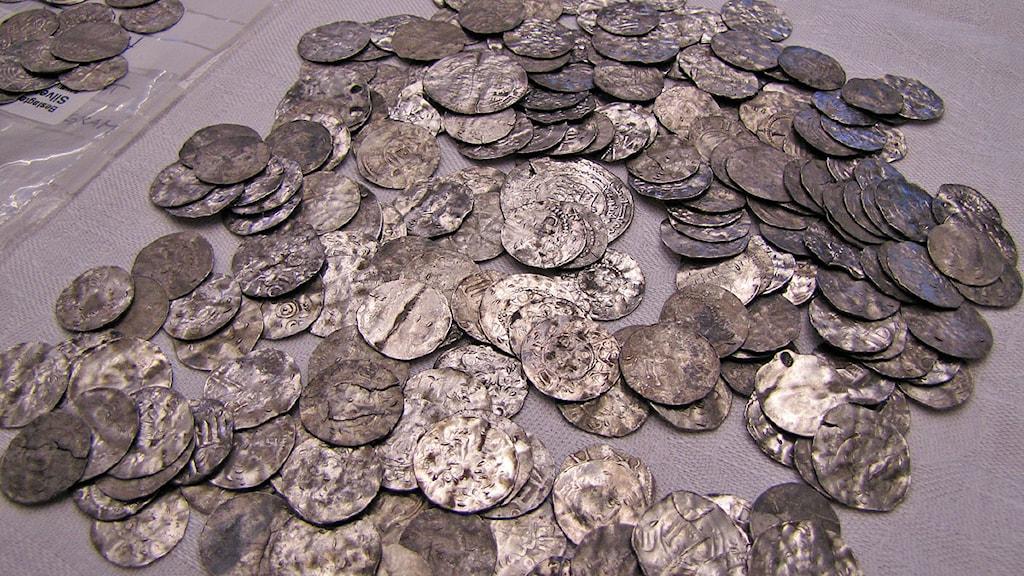 Silvermynt från plundringen i Alva, Gotland.