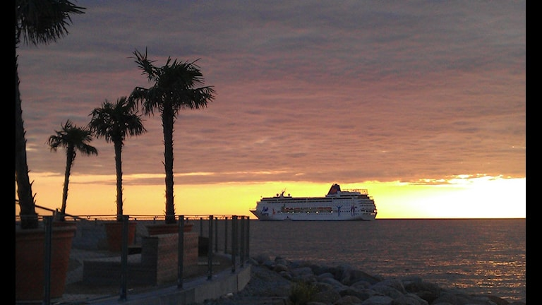 Kryssningsfartyg utanför Visby. Foto: Henrik Wallenius/SR Gotland