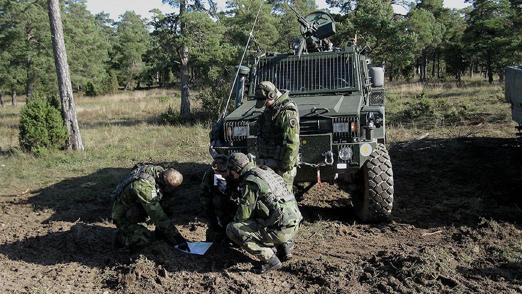 Afghanistansoldater övar på Tofta skjutfält. Foto: Tommy Lundberg/SR Gotland
