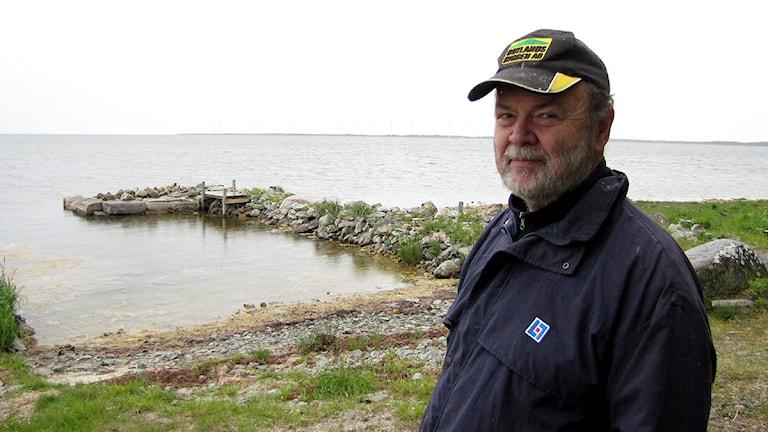 Jan Larsson vid Burgsviken. Foto: Lasse Ahnell/SR Gotland