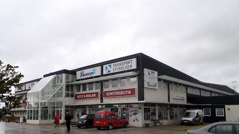 Huset på Skarphäll i Visby där Transportstyrelsen har sitt kontor. Foto: Jonas Neuman/SR Gotland
