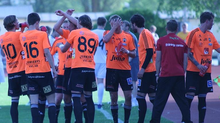 Vätskepaus, FC Gute