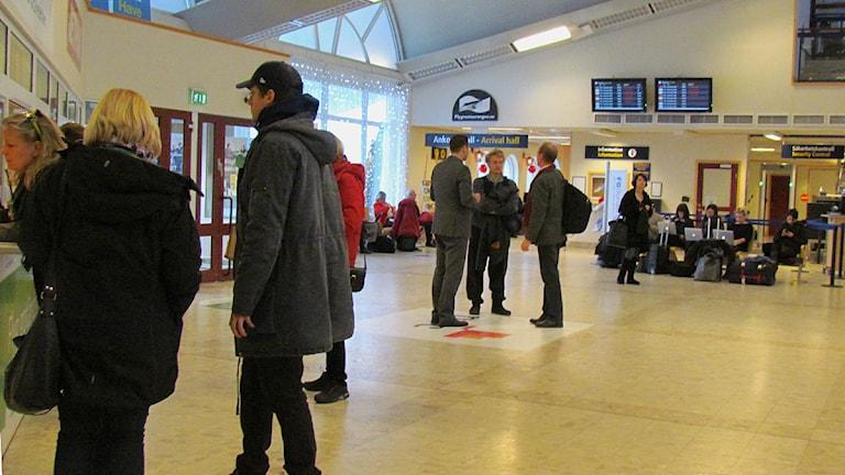 Resenärer på Visby flygplats. Foto: Håkan Erlandsson/SR Gotland