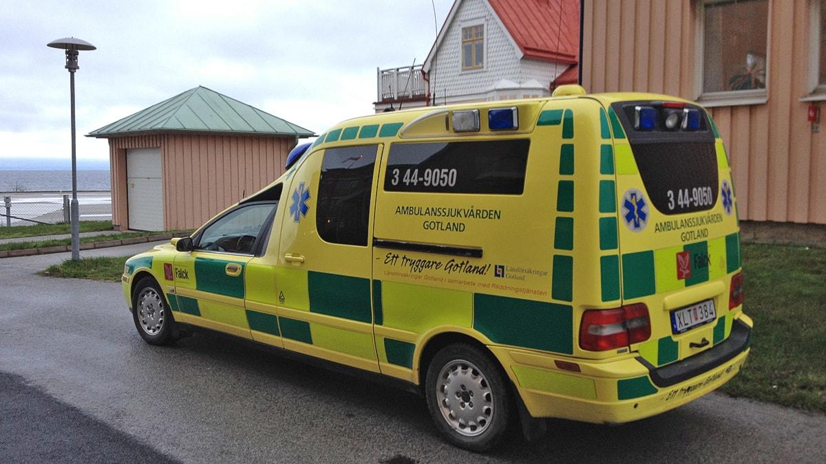 Falcks ambulans. Foto: Mika Koskelainen/SR Gotland