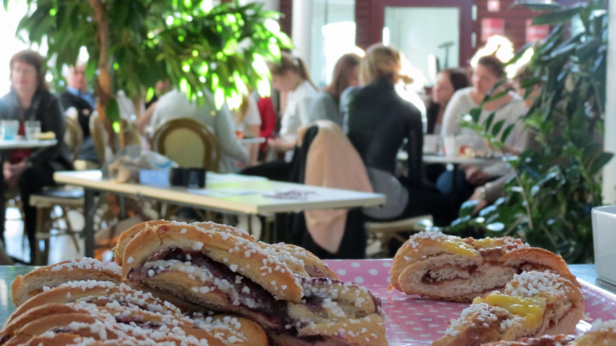 Bullfika i Maris café. Foto: Filip Joelsson/SR Gotland