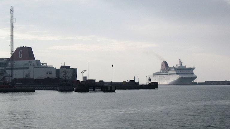 Gotlandsfärjan ankommer till Visby hamn. Foto: Henrik Wallenius/SR Gotland