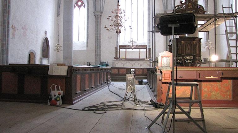 Renovering i Källunge kyrka 2010. Arkivbild: Lasse Ahnell/P4 Gotland