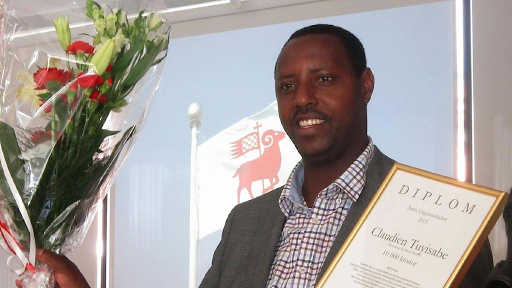 Claudien Tuyisabe tog emot pris som årets ungdomsledare. Foto: Jonas Neuman/P4 Gotland Sveriges Radio