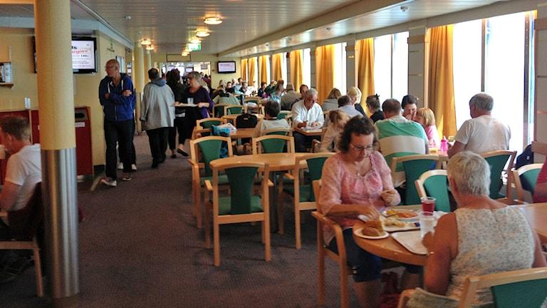 Restaurangtorget ombord på en av Destination Gotlqands färjor. Foto: Mika Koskelainen/SR Gotland