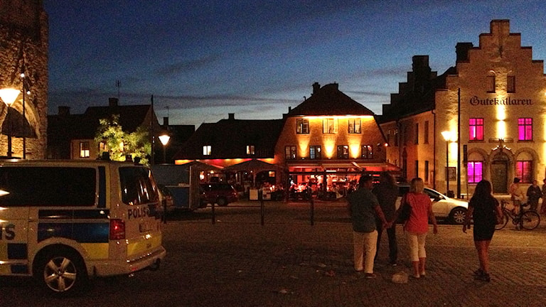 Sommarnatt på Stora torget i Visby. Foto: Mika Koskelainen/P4 Gotland