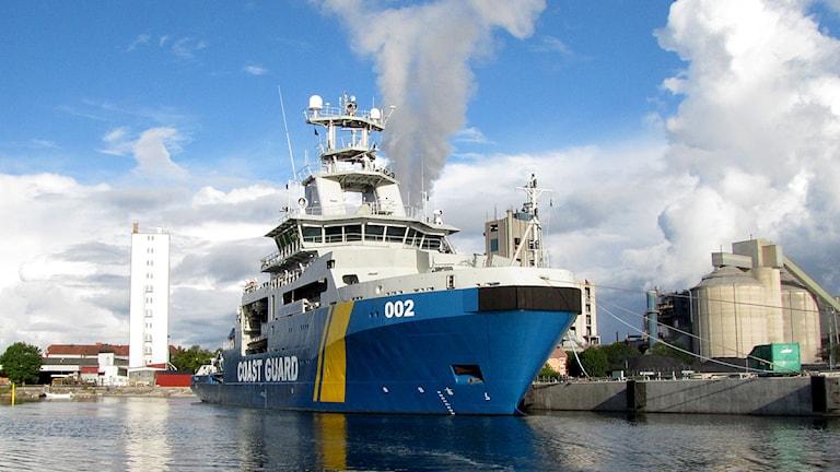 Kustbevakningens 002 Triton i Slite hamn. Foto: Camilla Körkander/P4 Gotland