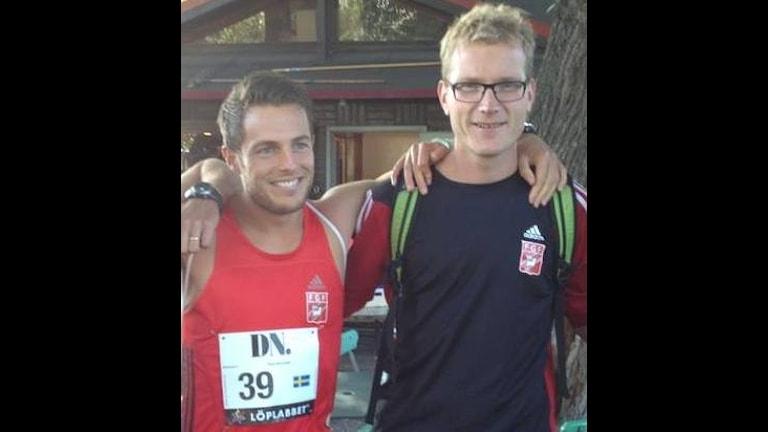 Fred Grönwall och Daniel Hejdström under DN Stockholm halvmarathon.