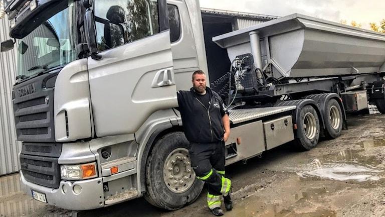 Petter Järesund är åkeriägare som konstaterar att det i trafiken inte är en fråga om en olycka händer utan när.
