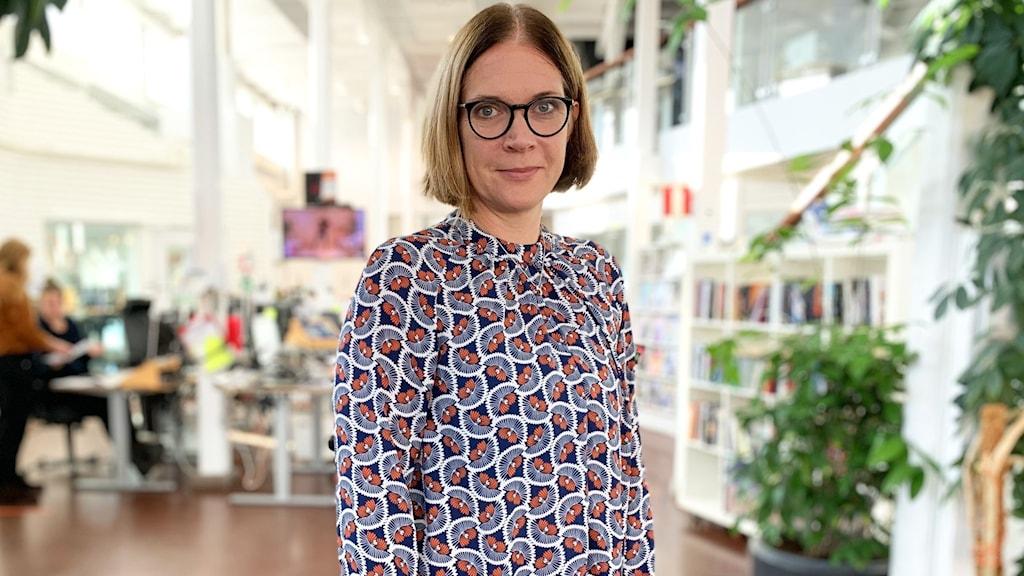 P4 Gotlands nyhetschef Eva Buskas på redaktionen.