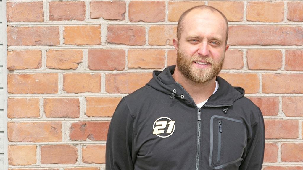 Robin Cederqvist ska simma 32 kilometer över Engelska kanalen.