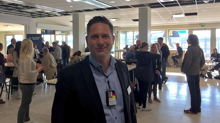 Flygplatschefen Gunnar Jonasson i den nya vänthallen.