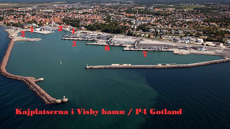 Kajplatserna i Visby hamn. Flygfoto: Gunnar Britse