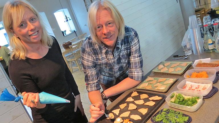 Ulrika Karlsson och Patrik Strömsten. Foto: Mika Koskelainen / Sveriges Radio P4 Gotland
