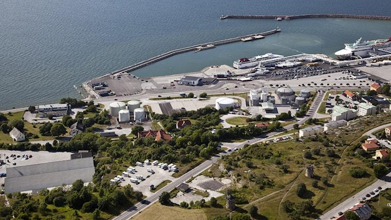 Gutebacken och området söder om Visby hamn. Flygfoto: Gunnar Britse