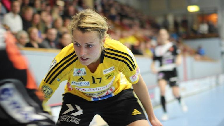 Närbild på Anna Jakobsson i sm-kvartsfinalen mot Rönnby.