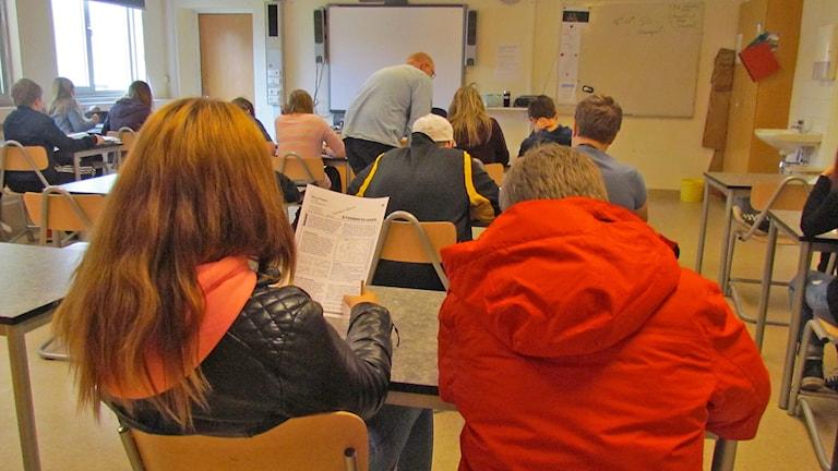 Klassrum på högstadiet med elever. Foto: Hanna Sihlman / Sveriges Radio P4 Gotland