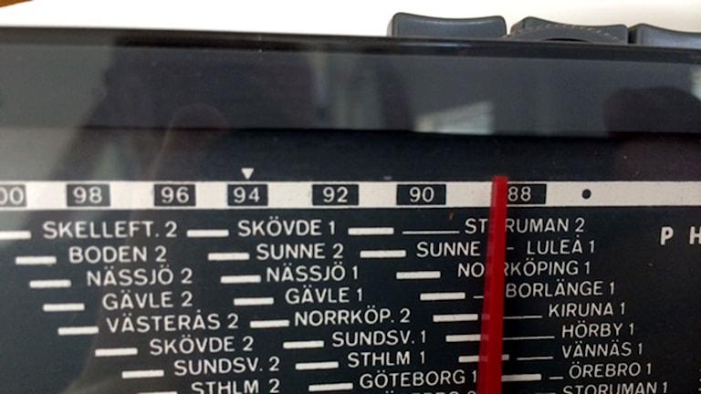 Frekvenser i en radioapparat. Foto: P4 Gotland Sveriges Radio