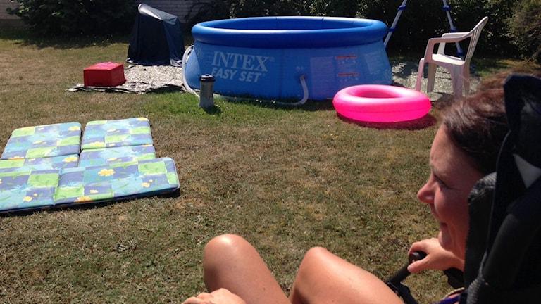 Susanne Fransson hade redan hunnit fylla familjens pool. Foto: Patrik Annerud/SR Gotland