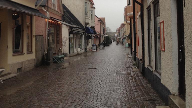 Adelsgatan i Visby ligger öde. Foto: Amanda Heijbel/Sveriges Radio