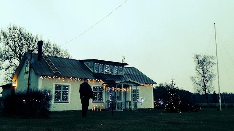Peter Yllanders julpyntade hus i Dalhem