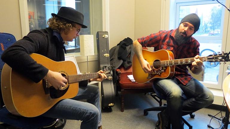 Axel Holm och Rasmus Bogegård. Foto: Jonas Neuman