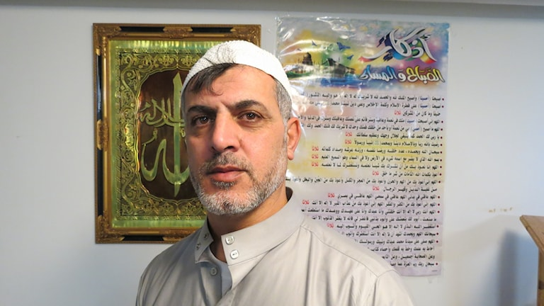 Imamen Mahmud Issa i moskén i Visby. Foto: Amanda Heijbel/Sveriges Radio