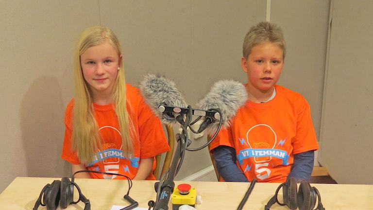 Klara Eriksson och Robin Ahnell, Väskinde skola. Foto: Mika Koskelainen/Sveriges Radio
