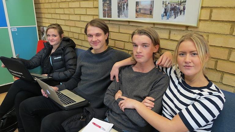 Jelena Saric, Gustaf Lawergren, Oliwer Söderholm, Linn Sandström. Foto: Ulrika Uusitalo Fernholm/Sveriges Radio