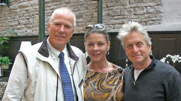 Jan Luthman, Catherine Zeta-Jones och Michael Douglas på Gotland. Foto: Privat