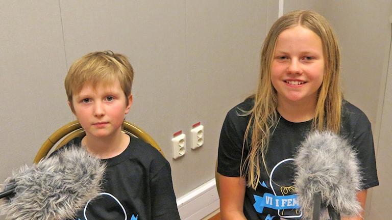 Hugo Eliasson och Siri Lidström, Alléskolan 5B. Foto: Mika Koskelainen/Sveriges Radio