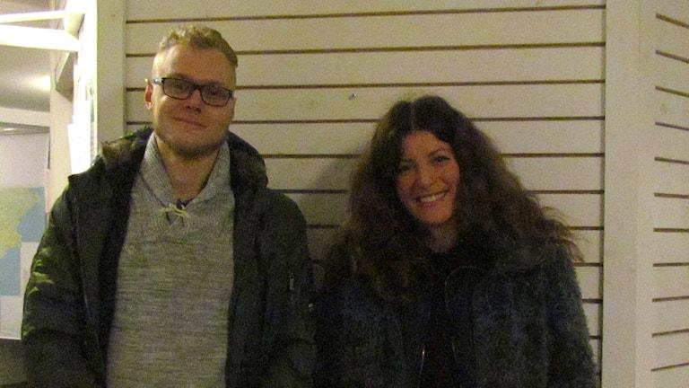 Poeten Erik Ersson och Elisabeth Kedziora från kulturscenen Himalaya. Foto: Malin Nordström/P4 Gotland Sveriges Radio.