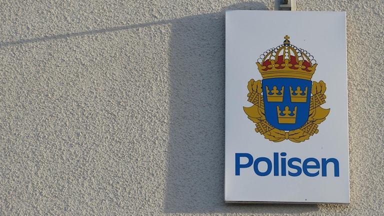 Polisskylt. Foto: Jonas Neuman/Sveriges Radio