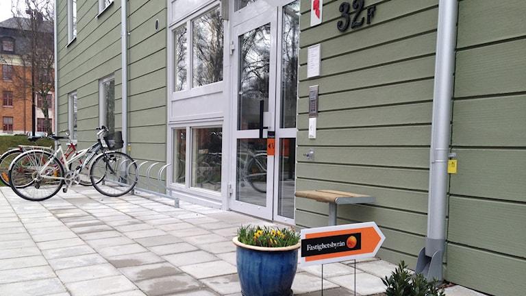 Lägenhetsvisning på A7-området i Visby. Foto: Anna Jutehammar/ Sveriges Radio